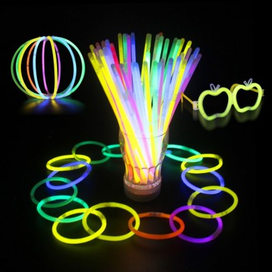 100 pcs Multicolore Ritium Glow Sticks Dark Party Lumières Bracelets Glow Sticks Décoration de Mariage