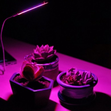 4.5W Full Spectrum 27 LED Planta Tubo Flexible de Metal DC5V / USB de Grow Light