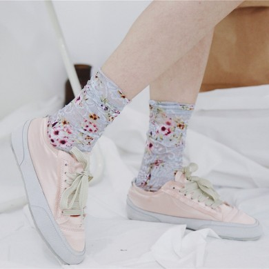 Women Vintage Floral Lace Mesh Breathable Tube Socks