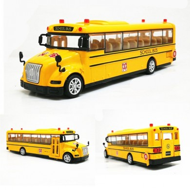 Alloy Car Model School Bus With Light And Sound Pull Back Diecast Model Toys Gift Decor