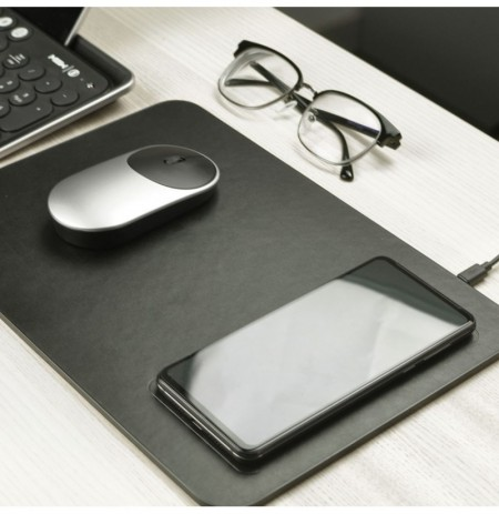 MIIIW Qi Wireless Charger PU Leather Mouse Pad For iPhone Samsung Xiaomi Huawei from xiaomi youpin