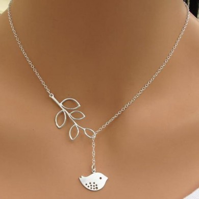 Lovely Silver Branch Tree Leaves Bird Pendant Necklace Chain for Women