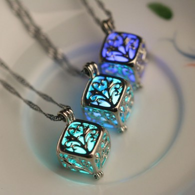 Fashion Luminous Stone Necklace Wishing Hollow Tree Locket Pendant for Women